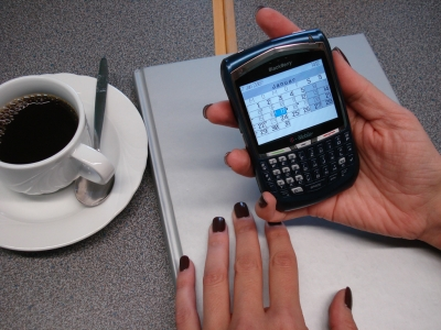 Finger weg vom Blackberry? (Bild: Kigoo Images / pixelio.de)